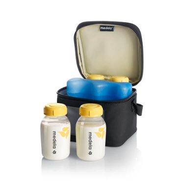 Medela Cooler bag open with bottles